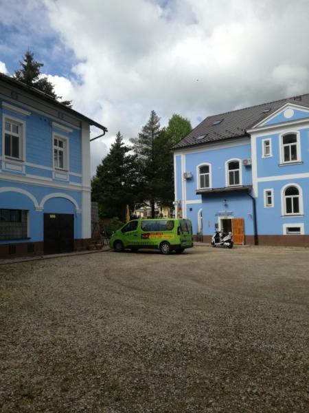 Parkovit-hotelu-Centrl-a-depandence-Domeek